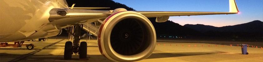 841x200-pilot-plane-tarmac